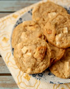 Banana Pudding Cookies! Everything you love about banana pudding in the form of a cookie :)