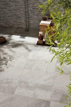 Mrazuvzdorná dlažba imitace kamene FOSSIL Light grey 50 x 50 cm Flooring Options, Porcelain Tile, Bathroom Inspiration, Outdoor Spaces, Living Room Furniture, Fossil, Tile Floor, Pergola, Exterior
