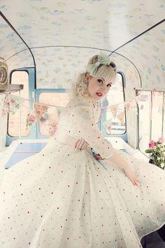 Let's go Retro Rockabilly Style, Rockabilly Wedding Dresses, Vintage Style Wedding Dresses, Cute Wedding Dress, Rockabilly Fashion, Vintage Dresses, Wedding Gowns, Fifties Fashion, Wedding Styles