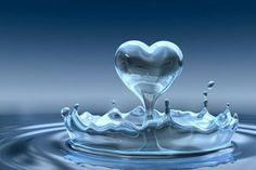 Ninguém consegue entender o Amor, É um sentimento sem limites Sem razões Sem alternativas... O amor não enxerga a beleza E nem a riqueza, Apenas a pureza e a simplicidade. Não escolhe tempo e nem espaço para surgir. É algo espontâneo, O qual nada consegue impedir que se Transforme num sentimento inexplicável, O qual te faz passar noites em claro, E viagens pensando Sem reações... Deixando que os pensamentos tomem conta de seu ser,  Te deixando com os olhos arregalados Por não entender como…