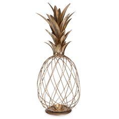 Lanterne en métal doré ANANAS: Statuette ananas noire : Un élément de décoration tendance mais restant neutre dans les couleurs. Un petit bougeoir qui permettra de diffuser une lumière douce et chaleureuse. A poser sur la commode.