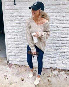 Outfits 2019 Outfits casual Outfits for moms Outfits for school Outfits for teen girls Outfits for work Outfits with hats Outfits women fall outfits for women Outfits With Hats, Preppy Outfits, Mom Outfits, Cute Casual Outfits, Outfits For Teens, Fashion Outfits, Fashion Hats, Italy Outfits, Casual Attire