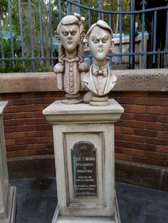 Bust of The Twins in the queue at Haunted Mansion, Orlando.  Photo by John Eagen