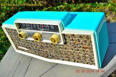 Mid Century Decor, Mid Century Design, Jukebox, Turn Your Radio On, Lps, Radio Antigua, Retro Radios, Antique Radio, Record Players