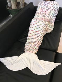 High Quality Scrambled Pattern Warmth Knitted Mermaid Tail Design Blanket