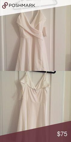 NWT Tobi Into You Skater Dress White Size S NWT Tobi Into You Skater Dress White Size S -96% polyester 4% spandex -adjustable straps SOLD OUT ONLINE Tobi Dresses Mini