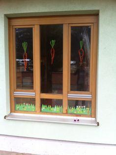 Unsere Osterkarottendeko für das Fenster