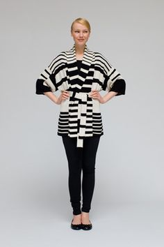 I seem to be drawn to Marimekko's B&W pieces. Don't get me wrong, the other patterns and colors are great, but I really like how the B&W really gives punch to Marimekko's bold designs.
