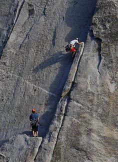www.boulderingonline.pl Rock climbing and bouldering pictures and news Climber killed on Yo