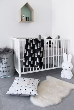 How to Decorate a Scandinavian-Inspired Nursery - Modern Nursery - Kinderzimmer Baby Bedroom, Baby Boy Rooms, Baby Boy Nurseries, Baby Room Decor, Nursery Room, Kids Bedroom, Nursery Decor, Nursery Ideas, Kids Rooms