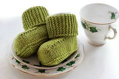 Knitted Baby Uggs with Free Pattern