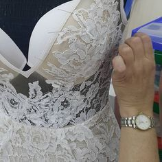 Make a Corset Back – Sew Much Talent Skinny Wedding Dress, Diy Wedding Dress, Wedding Dress Patterns, Diy Dress, Bridal Corset, Bridal Lace, Techniques Couture, Sewing Techniques, Maquillage Phosphorescent