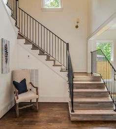 Fight Against Stair Railing Ideas Staircase Makeover Stairways 89 - sitihome Farmhouse Style Kitchen, Farmhouse Interior, Farmhouse Design, Farmhouse Plans, Modern Farmhouse, Iron Staircase Railing, Staircase Makeover, Rod Iron Railing, Banisters