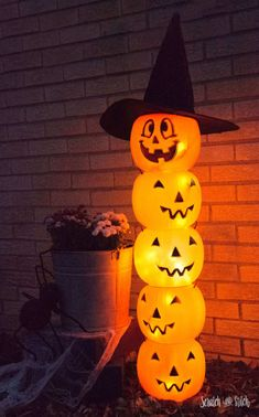 Glowing Jack O' Lantern Totem Glowing Plastic Jack O' Lantern Halloween Decoration by Scratch and Stitch Related posts:Awesome and Easy DIY Halloween Costumes for Teen GirlsTake this fun personality Quiz and find What are you to boys Halloween Vintage, Fröhliches Halloween, Adornos Halloween, Dollar Store Halloween, Halloween Cupcakes, Holidays Halloween, Halloween Yard Ideas, Halloween Costumes, Women Halloween