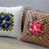 Crochet Pillow Patterns Part 7 - Beautiful Crochet Patterns and Knitting Patterns Crochet Cushion Cover, Crochet Pillow Pattern, Easy Crochet Blanket, Crochet Cushions, Crochet Art, Crochet Gifts, Crochet Flowers, Pillow Patterns, Crochet Granny