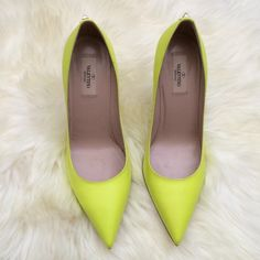 2 x HPValentino rockstud pump NWT...fits small...would fit a size 8-8.5 better Valentino Shoes