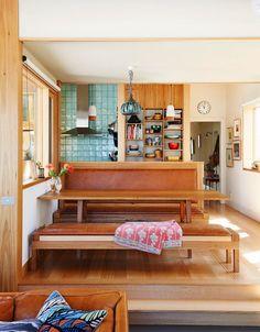 杯子收納在開放式的層架上,變成一幅美麗的畫!來到澳洲墨爾本設計師Emily Wright的廚房
