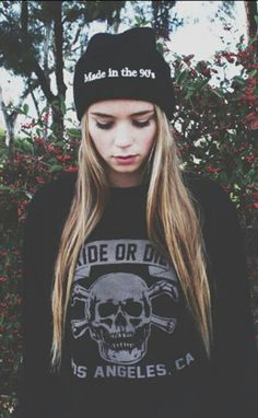 Find images and videos about girl, grunge and on We Heart It - the app to get lost in what you love. Alternative Rock, Alternative Fashion, Hipster Grunge, Soft Grunge, Grunge Fashion, Teen Fashion, Mode Punk, Indie, Cooler Style