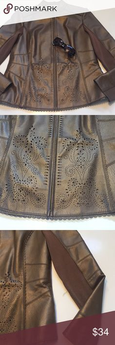 Gorgeous baker babe jacket Nygard Collections, Sz M(10-12), copper colored, cutout leather jacket, simply amazing! So girly & tough at the same time. Inner sleeves & back are a rayon & nylon blend, like a tough sweater. 23in in length, 18in pit to pit. Gorgeous! Nygard Collection Jackets & Coats
