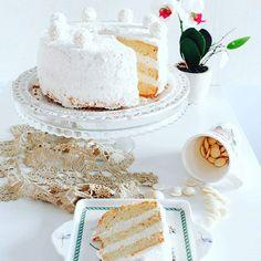 Ricetta sul blog. Fluffosa Raffaello  #ifoodit #ifoodBday  #buoncompleannoifood  #ifoodit #lefluffose #fluffosa #raffello #cake #happybirthaday