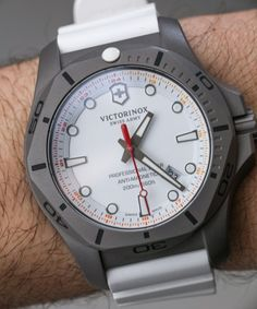 Victorinox Swiss Army INOX Professional Diver Titanium Watches Hands-On Sport Watches, Cool Watches, Watches For Men, Elegant Watches, Beautiful Watches, Titanium Watches, Swiss Army Watches, Victorinox Swiss Army, Smart Watch