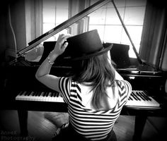 Pianist (pianist,piano,top hat,girl,model,photography,music,stripes,fashion)