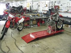 Search best motorcycle repair shop in United States. #Qlook is the best place for your search as it saves the complete list of #MotorcycleRepairShop in entire United States.