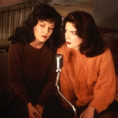 Maddy Ferguson, Laura's look-a-like cousin (Sheryl Lee, who also played Laura) and Donna Hayward (Lara Flynn Boyle)