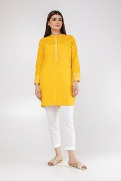 Summer/Spring Collection 2020 - Khaadi has a wide range of Ready to wear, Luxury Pret, Unstitched dresses for women and men Pakistani Fashion Casual, Pakistani Dresses Casual, Pakistani Dress Design, Simple Kurta Designs, Stylish Dress Designs, Lovely Dresses, Stylish Dresses, Knot Hairstyles, Kurta Style