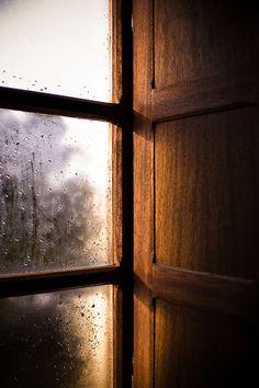 Soft light on a rainy day Ventana Windows, I Love Rain, When It Rains, Through The Window, Dancing In The Rain, Rain Drops, Light And Shadow, Rainy Days, Windows And Doors