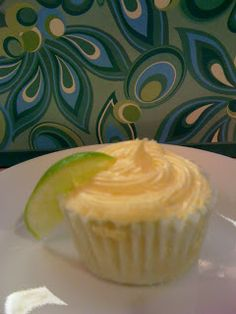 Do You Know the Muffin Pan?: Dos Margarita Cupcakes