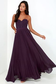 You'll be like a walking, talking masterpiece in the Bariano Come Quick Cupid Purple Strapless Lace Maxi Dress! Floral eyelash lace decorates a strapless bustier bodice with a sweetheart neckline with no-slip strip, boning, and lightly padded cups. A banded waist lends a fitted look before a gathered chiffon maxi skirt splays out in an elegant, pleated silhouette. Detachable, adjustable spaghetti straps. Hidden back zipper with clasp.
