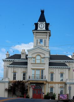 Adair County Courthouse in Columbia, KY.