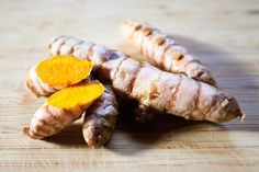 Turmeric's earthy, exotic aroma and flavor make it a delicious addition to many dishes. Turmeric is almost always sold with the dried spices at grocery stores, but some specialty markets carry the fresh root. Swapping fresh root for dried in recipes is po Tumeric Benefits, Raw Turmeric, Fresh Turmeric Root, Turmeric Health, Turmeric Recipes, Fresh Ginger, Rutabaga Recipes, Watercress Recipes, Root Recipe