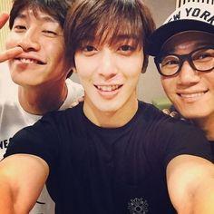 CNBLUE ジョン・ヨンファ、チ・ソクジン&イ・グァンスと仲良くスリーショット「ヘヘ」 - ENTERTAINMENT - 韓流・韓国芸能ニュースはKstyle