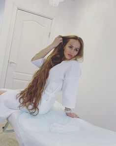 Long Brown Hair, Very Long Hair, Beautiful Long Hair, Layered Cuts, Female Images, Long Hair Styles, Photo And Video, Videos, Photos