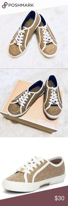 Girls' Michael Kors 👟Sneakers 👟 Ima Borium Sneakers with gold MK logo on laces in EUC KORS Michael Kors Shoes Sneakers