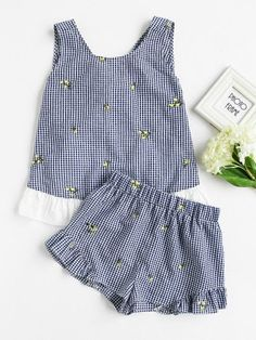 Contrast Trim Tie Back Checkered Top And Shorts Set Baby Girl Dress Patterns, Dresses Kids Girl, Little Girl Outfits, Kids Outfits, Girls, Kids Frocks Design, Baby Frocks Designs, Chor, Kids Fashion