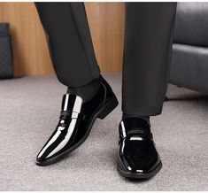 Italian Leather Shoes Slip On Fashion Men Leather Moccasin Glitter Formal Male Shoes Pointed Toe Shoes Italian Leather Shoes, Italian Shoes, Leather Dress Shoes, Formal Shoes For Men, Men Formal, Leather Slip Ons, Leather Men, Patent Leather, Leather Moccasins