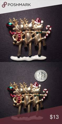 Vintage Christmas Brooch In excellent condition Jewelry Brooches
