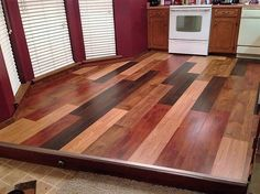 Here we have this awesome pallet wood kitchen floor nicely polished and finished in dark colors. The planks need to be properly finished with sand paper. You can combine two or three tones of mohagony to make it more interesting.