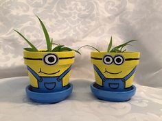 Minion 3'' painted clay flower pots