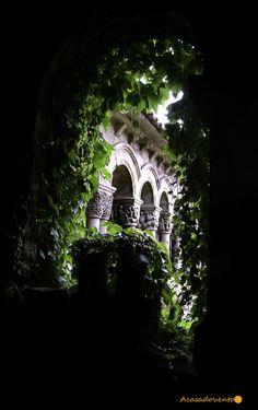 Santillana del Mar #Cantabria #Spain #Travel Spanish Garden, Spain Travel, Destinations, Gardens, Projects, Life, Courtyards, Tourism, Culture