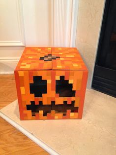 """Minecraft Pumpkin Tutorial! (love how she phrases things: """" I decided that this would be a fun project to obsess over and ignore chores for."""""""