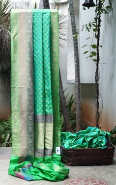 VIBRANT GREEN IRIDESCENT SKY BLUE BENARES SILK HAS LEAF GOLD ZARI BUTTAS ALL…