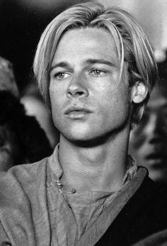 At first glance, can't decide if it's Leonardo DiCaprio, or Brad Pitt. Probably Brad Pitt, haha Brad Pitt Troy, Brad Pitt Style, Brad Pitt Hair, Young Brad Pitt, Young Celebrities, Young Actors, Celebs, Ali Larter, Christina Aguilera