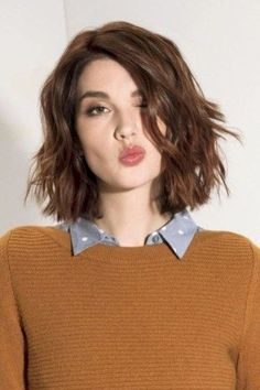Best short hairstyles for women with wavy hair frisuren frauen frisuren männer hair hair women Haircuts For Fine Hair, Best Short Haircuts, Cute Hairstyles For Short Hair, Layered Hairstyle, Wavy Bob Hairstyles, Outfits For Short Hair, 2018 Haircuts, Sweet Hairstyles, Trendy Haircuts