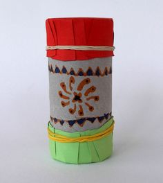 Craftsboom.com: Toilet paper roll maracas- version I