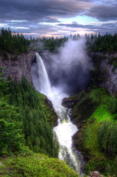 Helmcken Falls, Wells Grey Provincial Park by D-Niev, via Flickr; Clearwater, British Columbia, Canada