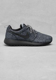 Style - Minimal + Classic: Nike Rosherun Print | Nike Rosherun Print | & Other Stories
